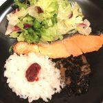 8月28日昼:焼き鮭が食べたかった(娘)